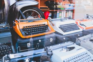 Как написать хайку или стихотворение в духе Маяковского: пять видов стихов и жанры поэзии
